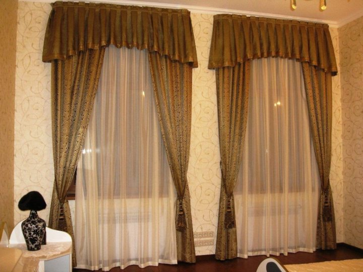 Drapery curtains (12)
