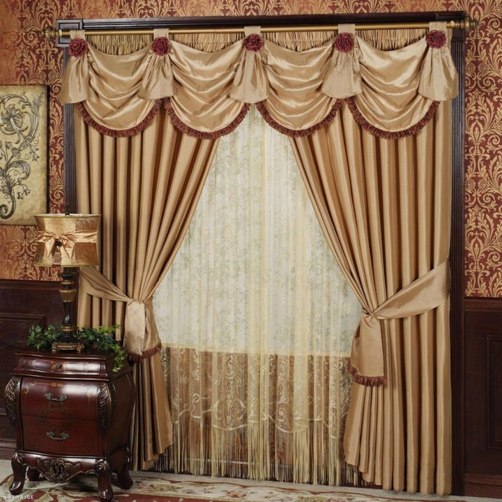 Drapery curtains (4)