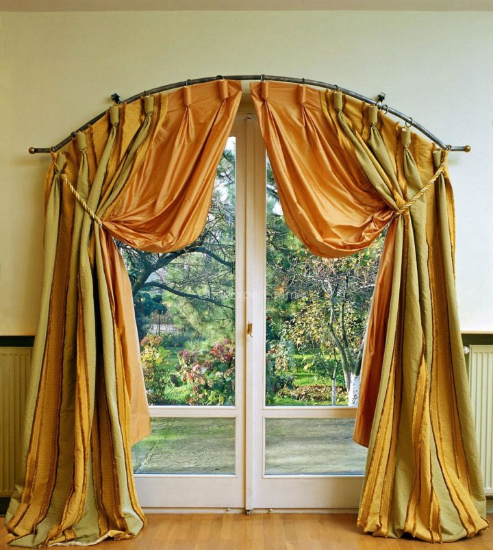 Drapery curtains (8)
