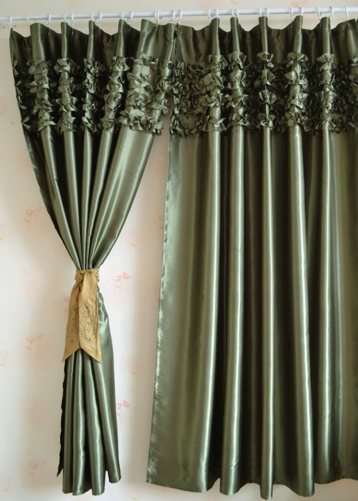 Satin curtains (14)