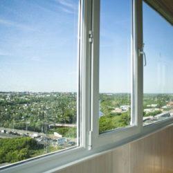 Холодное остеление балкона, что выбрать?